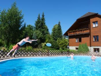 petrova chalupa - bazén